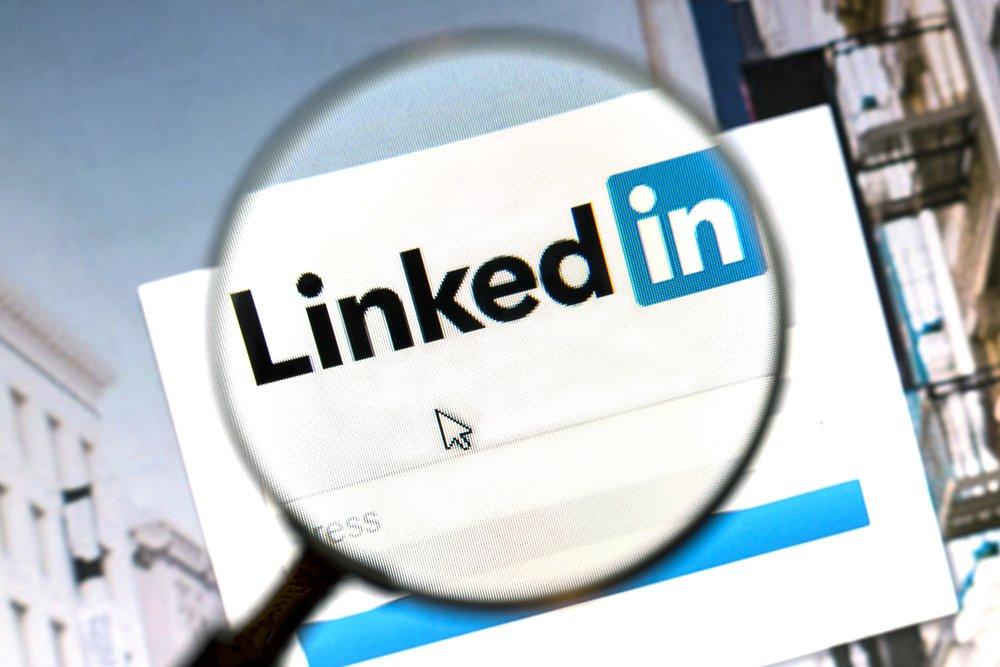 Instrukcja krok po kroku budowania profilu na Linked In